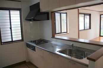 施工後です。 キッチン全体を新しくし、とても使いやすくなりました☆