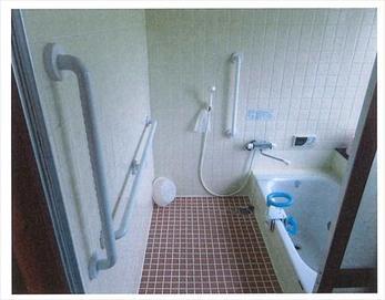 3ヶ所に手すりを設置し、より快適で安全な空間になりました!(*^▽^*)