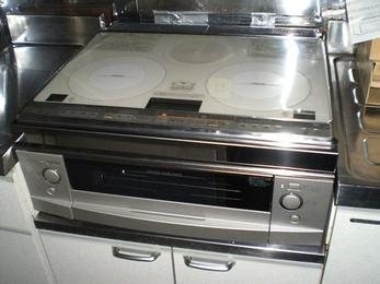 今までお使いのガステーブルをIHクッキングヒーターに変えるだけで、お料理が格段に楽になります。
