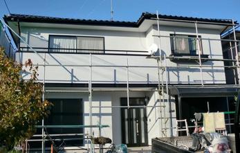 塗装完了です!耐久性に優れた明るい外壁になりました!