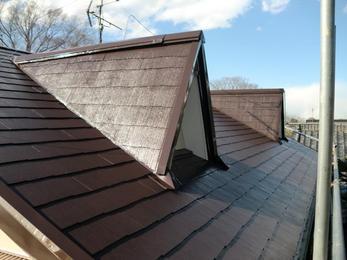 見違えるほどのツヤが美しい屋根になりました!