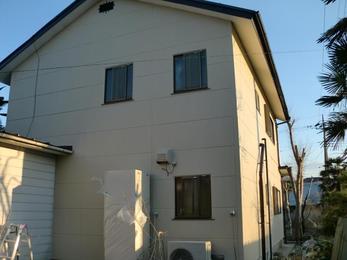 屋根塗装と同時に汚れが気になっていた外壁も塗装致しました!