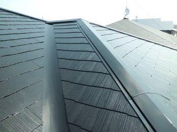 ツヤと輝きを取り戻しきれいな屋根に生まれ変わりました!