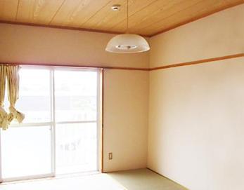 スッキリした部屋になりました☆雨漏りの心配も無くなり一安心です\(^o^)/