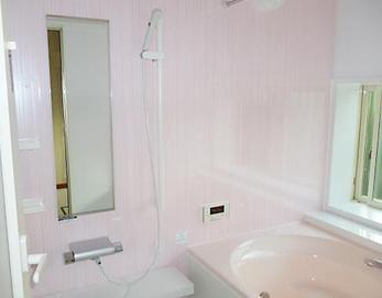 INAXキレイユZタイプ(1624)ピンク色です(*^^*) 可愛らしい浴室になりました\(^o^)/