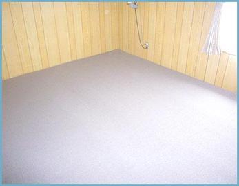 必要無い棚を撤去してじゅうたんを設置しました(^^)
