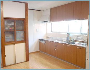 クリナップラクエラW2700を設置しました! 落ち着いた雰囲気のキッチンになりましたね(^^)
