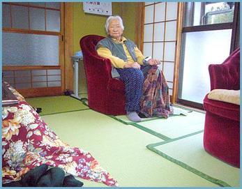 綺麗な緑色の畳になりました(*^^*) なんだか気持ち良いですねっ!!
