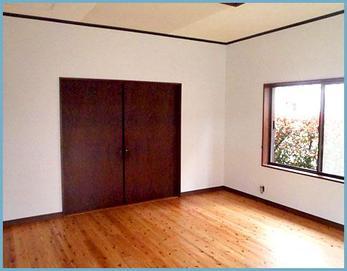 クロス・床張替えをし、断熱効果を高めるため、窓はインプラス・壁や屋根裏に断熱材を入れました(・ω<)
