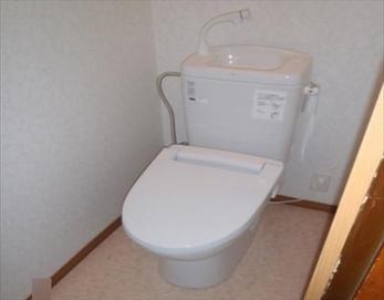 こんなにきれいな洋式のトイレに生まれ変わりました!(^^♪