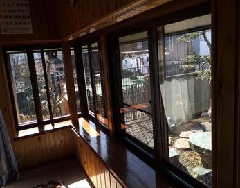 内窓を付けることによって節電しながらお家が一年中快適になりました!(*^-^*)  ※内窓:YKK プラマードU