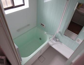 そよ風のようなカラーの清涼感を感じる爽やかバスルームに!