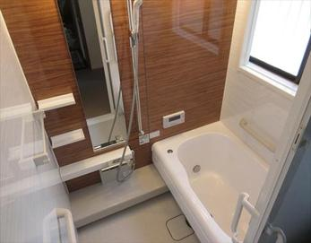 全体的に明るく機能的なお風呂になりました!!(*^▽^*) 【ユニットバス型式】トクラス STORY 1216