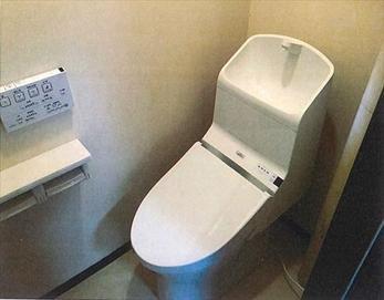 本体自体がスッキリとした新しいトイレに交換した為、大きくリフレッシュ出来たと思います♪(^^)/ 【トイレ型式】TOTO HV