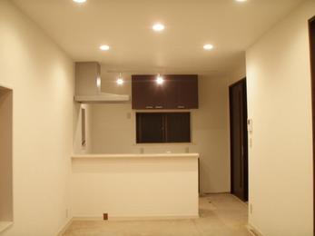 和式だった部屋とキッチンを繋ぎ、見事なリビング兼キッチンに完成!