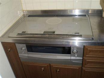 オール電化住宅になりましたので、必要なくなりました太陽熱温水器を撤去しました。