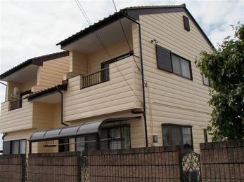特に屋根部分の傷みが進んでおりました。 外壁・屋根塗装をしましたので建物が長持ちして安心です。