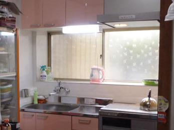 キッチン改修工事 及び 洗面台交換工事を行いました!