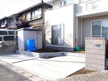 土間コンクリートを打設して駐車場を作りました(^^♪