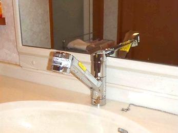 洗面台の交換をしたことで快適な洗面台になりました☆