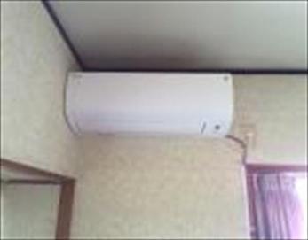 こちらは、新しく設置したエアコンです。 【エアコン型式】ダイキン S28STFXS