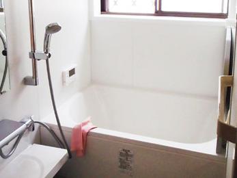 広々としたバスルームで快適なバスタイムが過ごせます♪