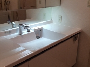 トイレ・洗面台・換気扇からクロスまでリフォーム!