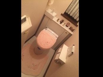 トイレと一緒に壁紙も