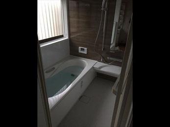 トイレも浴室も、雰囲気を変えて