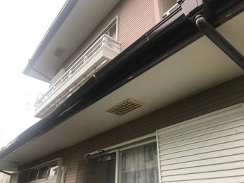 台風で壊れかけた雨樋を付け直したい。