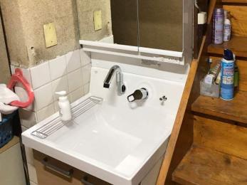 限られたスペースを有効活用できる洗面台にしたい。