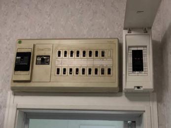 各部屋にエアコンを設置するために、新たなコンセントがほしい