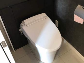 スッキリと片付いた空間を演出する、タンクレストイレにしたい