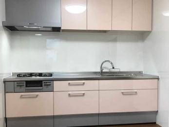 旧式のキッチンを、機能的で最新のシステムキッチンにしたい