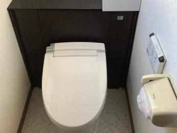 タンクから水漏れが。古いトイレを新しくしたい