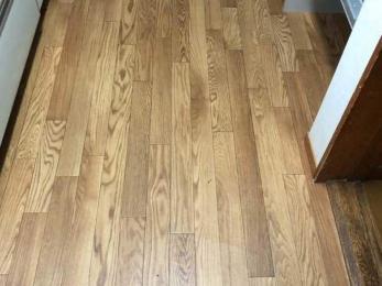 経年劣化が進んだキッチンの床をキレイにしたい