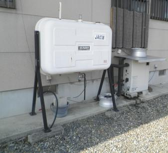 灯油ボイラーを撤去します。これからは、燃料代もかかりませんね