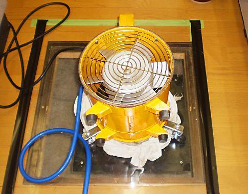 特殊な機械で消毒液を泡にします(*^^*)